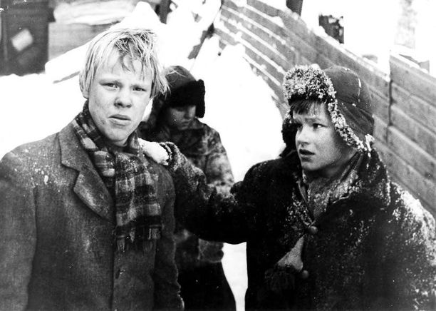 Nuori Vesa-Matti sulatti suomalaisten sydämet Pojat-elokuvan Jakena 1962.