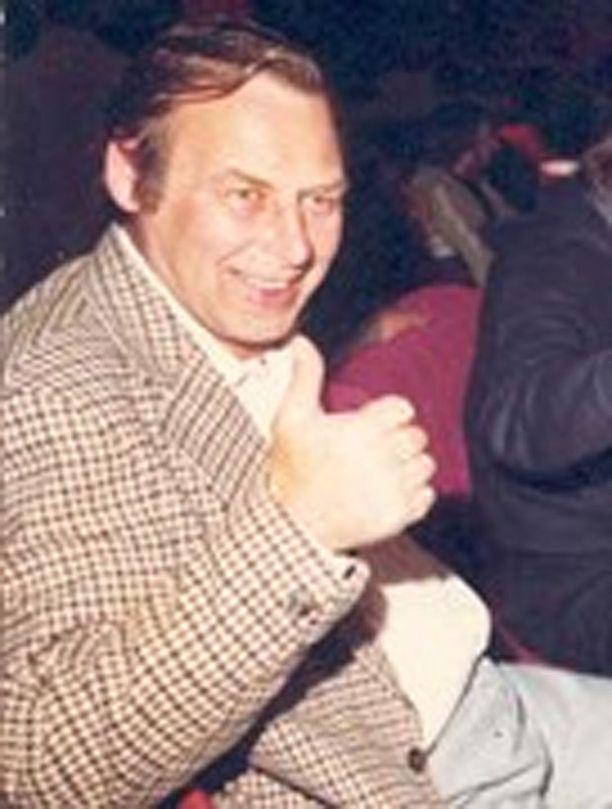 Clifford Clarke kohtasi loppunsa kotipihallaan.