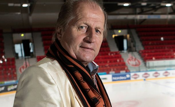 Juhani Tamminen on brändätty Maikkarin kiekkostudiossa Don Tamiksi.