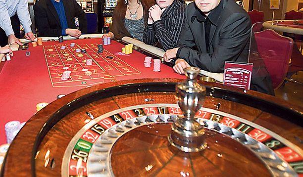 JÄTTIPOTTI Pokeripöydästä tutut pelaajat voittivat suuria summia Helsingin Grand Casinon ruletista.