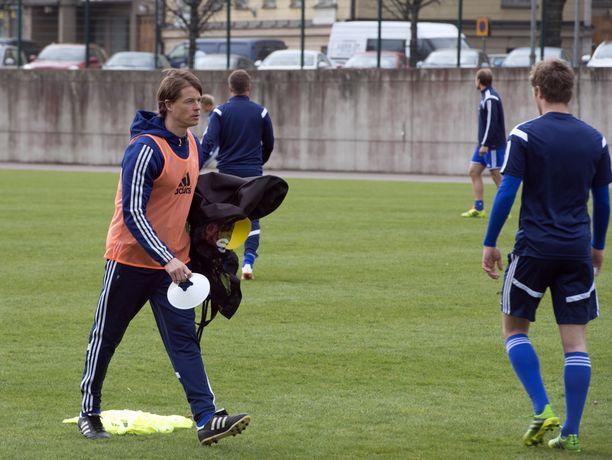 Mika Lehkosuo johti jo tänään HJK:n harjoituksia Töölön pallokentällä.