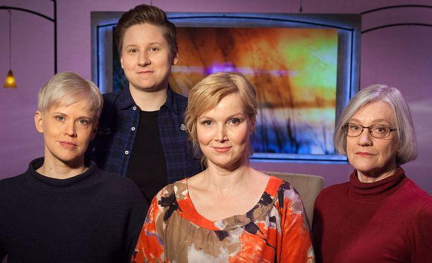 Anne Liljeström kertoo Niina Hartikaisen kanssa muunsukupuolisuudestaan toimittaja Sari Valtolle. Mukana asiantuntijan ominaisuudessa myös psykiatri Veronica Pimenoff.