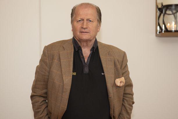 Vuonna 1950 syntyneen Juhani Tammisen viimeinen kausi pelaajana TPS:ssa oli 1982–83. Sen jälkeen hän siirtyi Japaniin.