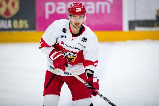 Sport-tähti Michael Keränen ei saanut kohutaklauksestaan pelikieltoa.