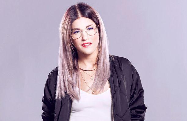 Jannika B:n esittämä Jolene-kappale on 1970-luvun hitti.