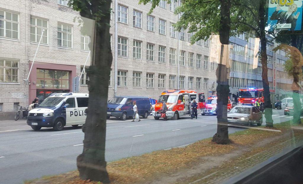 Nainen putosi viidennestä kerroksesta maahan Helsingin Mäkelänkadulla - putoamisen syy ei tiedossa