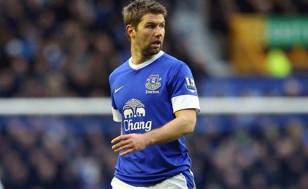 Thomas Hitzlsperger Evertonin paidassa viime kaudella.