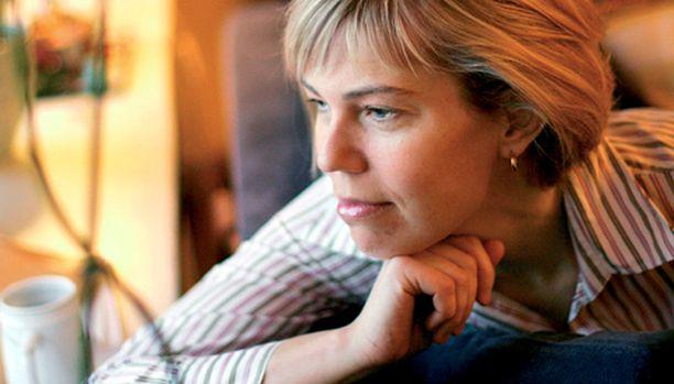 - Olen oppinut nauttimaan omasta seurastani, Kristiina Palmgren kertoo.