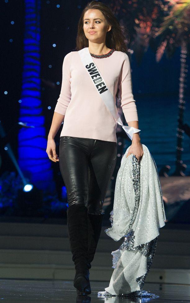 Miss Ruotsi Camilla Hansson.
