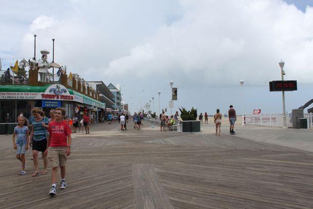 Marylandin Ocean City on osavaltion suurin rantakaupunki. Se on etenkin lapsiperheiden suosiossa kesälomalla. Ison hiekkarannan reunaan rakennetun puisen kävelytien - boarwalkin - varrella on kymmeniä yrityksiä.