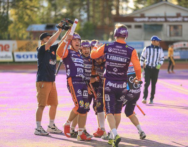 Sotkamo ja Kouvola ratkaisevat Suomen mestaruuden lauantaina.