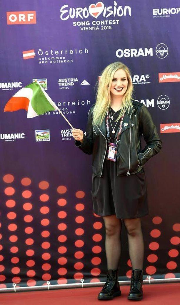 Irlantia edustaa tämän vuoden euroviisuissa 17-vuotias laulaja-lauluntekijä Molly Sterling.