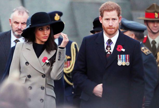 Meghan Markle ja prinssi Harry osallistuivat juhlallisuuksiin. He menevät naimisiin 19. toukokuuta.