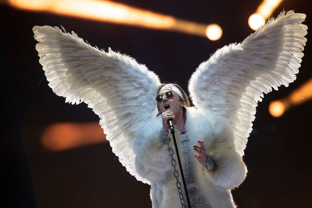 Tix pääsi kappaleellaan Fallen Angel lauantain finaaliin.