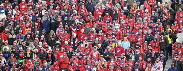 Punainen oli Talviklassikon hallitseva väri.
