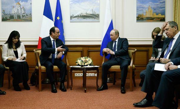 Vladimir Putin ja Ranskan presidentti Francois Hollande keskustelivat Moskovassa joulukuun alussa.