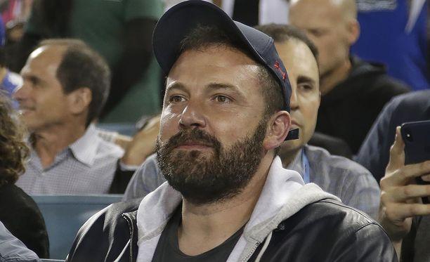 Ben Affleck seurasi baseball-ottelua lokakuun lopulla. Pian tuon jälkeen hän hakeutui jälleen vieroitushoitoon.