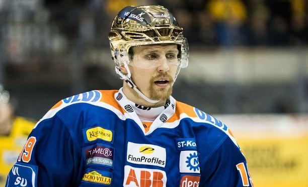 Veli-Matti Savinainen voitti runkosarjan maalikuninkuuden.