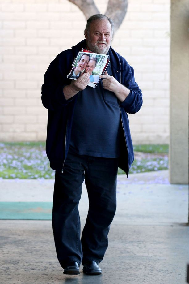 Fanit ovat selvittäneet, että Thomas Markle jätti tyttärensä ensimmäisetkin häät väliin vuonna 2011.