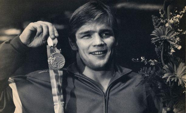 Jouko Salomäki voitti olympiakultaa 74-kiloisten sarjassa Los Angelesin olympiakisoissa 1984.