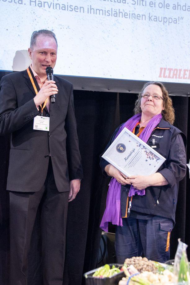 Kauppias Ohto Paronen kiittää ennen kaikkea hyvää henkilökuntaansa.