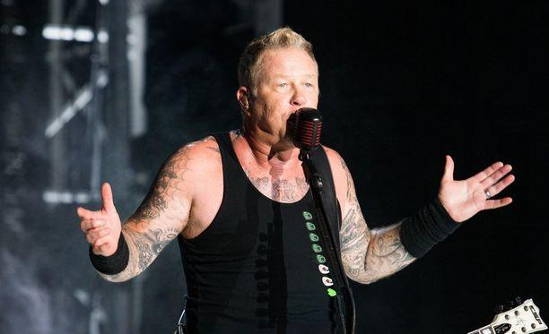 Metallican maanantainen ensiintyminen Amsterdamissa ei mennyt James Hetfieldin osalta täysin putkeen.