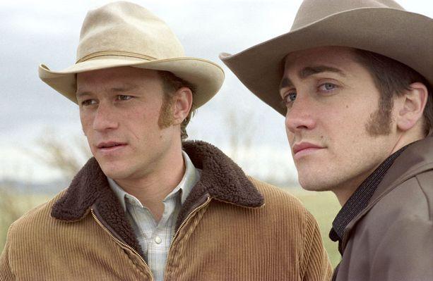 Jäyhät cowboyt rakastavat Brokeback Mountain -elokuvassa.