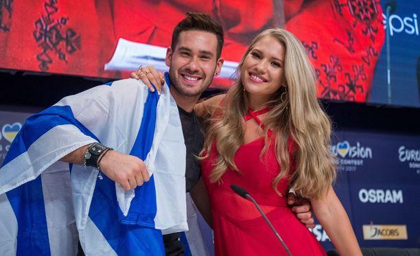 Tanskan edustaja Anja viihtyi Israelin IMRIn seurassa.