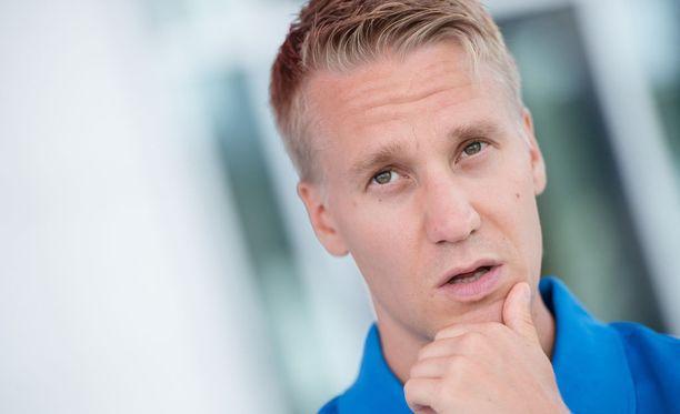 Aku Partanen kävelee tiistaina miesten 50 kilometrin kilpailussa Berliinissä.