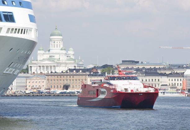 Linda Linen laiva Helsingin Eteläsatamassa vuonna 2013.