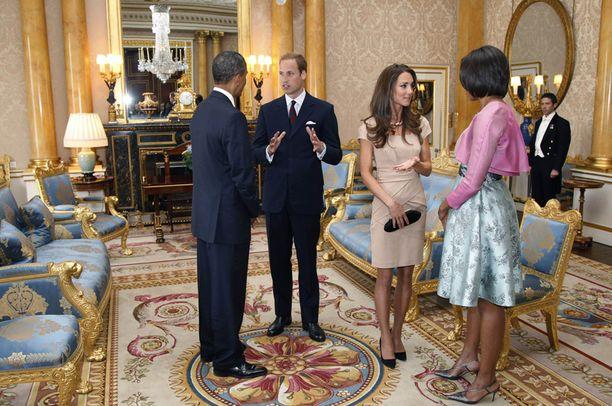 Yhdysvaltain presidenttipari tapasi tuoreen herttuapariskunnan tänään Lontoossa.