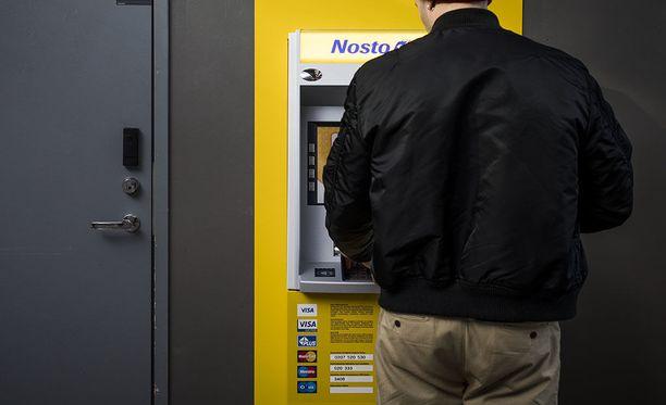 Nosto-käteisautomaatteja on tällä hetkellä vain pääkaupunkiseudulla HOK:in tiloissa sekä Uudellamaalla Varubodenin kiinteistöissä.