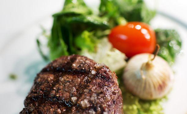 Tamperelaiseen Restamax-ravintolakonserniin kuuluvan Stefan's Steakhousen annos. Kuvituskuva.