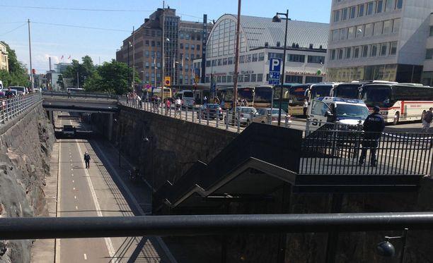Baana on Helsingissä kevyen liikenteen väylä Ruoholahden ja keskustan välillä.