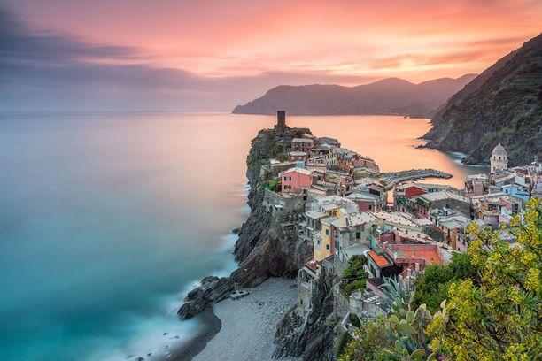 Cinque Terre on satumaisen kaunis kylärypäs.