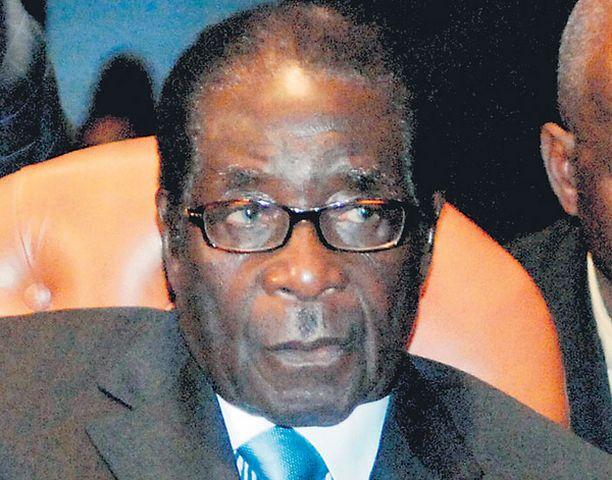 Zimbabwen valtias Robert Mugabe ei ole piitannut kansansa ahdingosta. Afrikan unionista on sentään kuultu arvostelua.