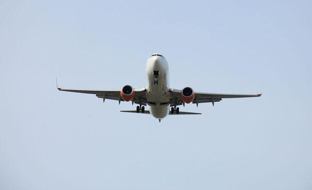 Boeing 737 -lentokone oli matkalla HelsingistÀ Tukholmaan. Kuvituskuva.