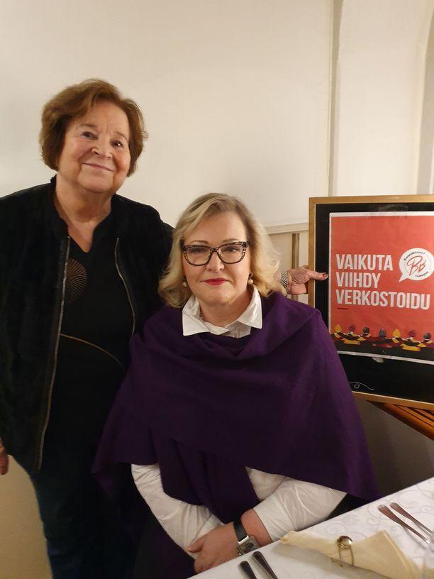 BisnesBöönat-verkoston perustajajäsen, ravintoloitsija Saara Sinivuori ja idean äiti ja puheenjohtaja Hannele Hyödynmaa.