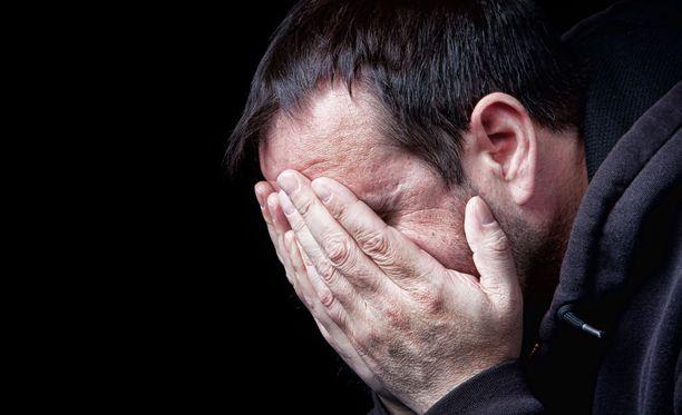 Psyykkinen kipu voi olla hetkellisesti niin kova, ettei ihminen löydä toivoa mistään.