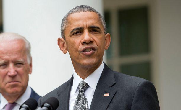 Obama korosti hallintolähteiden mukaan, että Venäjän on noudatettava Minskin rauhansopimusta ja vedettävä kaikki venäläisjoukot sekä aseistus Ukrainan alueelta.