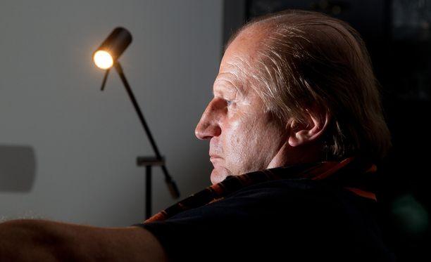 – En ole valmentajan urallani koskaan kokenut vastaavaa – että yksi pelaajista kuolee nuorella iällä, puhumattakaan, että se tapahtuu tuolla tavalla, Juhani Tamminen, 66, pudistelee.