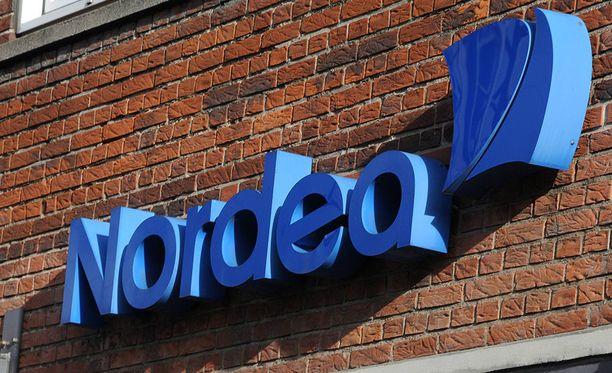 Nordea rajaa verkkouhkapelaamista, johon siirretään rahaa kortin avulla.