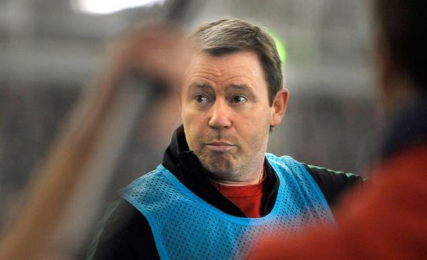 Keith Armstrongilla on taustallaan mittava ura sekä pelaajana että valmentajana.