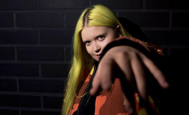 Idols-laulukilpailusta alun perin musiikkialalle ponnistanut Alma luo kansainvälistä uraa.