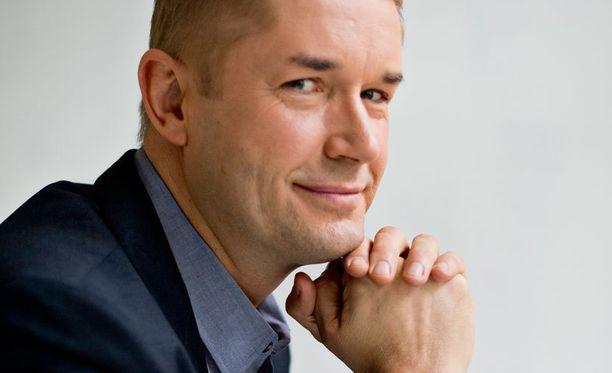 Marco Bjurström kertoo pitävänsä uutisankkurin työstä ja kaikesta mitä siihen liittyy.