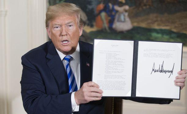 USA ja neljä muuta valtiota allekirjoittivat Iranin ydinsopimuksen 2015.