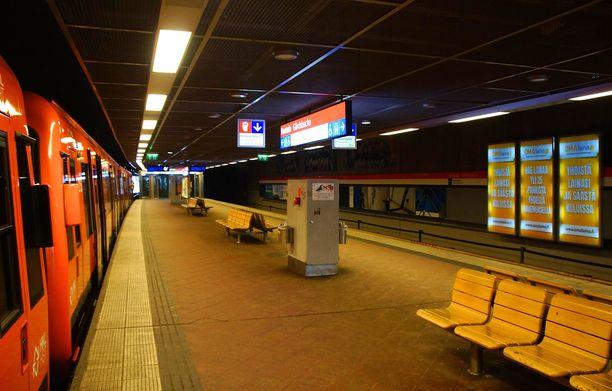 Teemu Vauhkosen mukaan Helsingissä on onnistuttu ehkäisemään alueellista eriarvoisuutta esimerkiksi Oulua ja Turkua paremmin. Kuvassa on Kontulan metroasema.