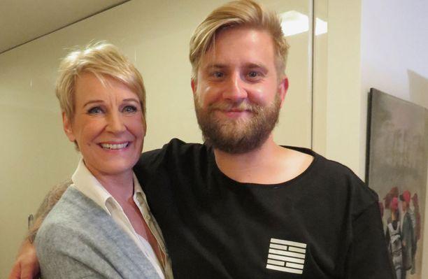 Leena Harkimo on itsekin julkisuudesta tuttu, samoin Jolle.