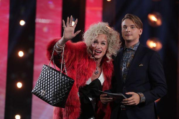 Christoffer Strandberg esitteli hahmonsa Barbi de Voron lauantain lähetyksessä.