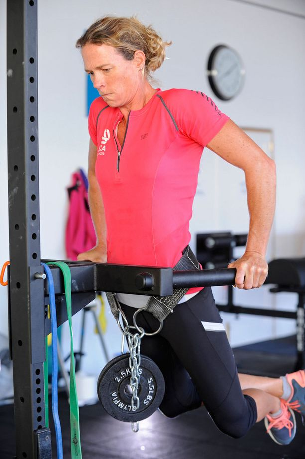 Naisten lihasmassa kasvoi useita kiloja treenivuoden aikana.
